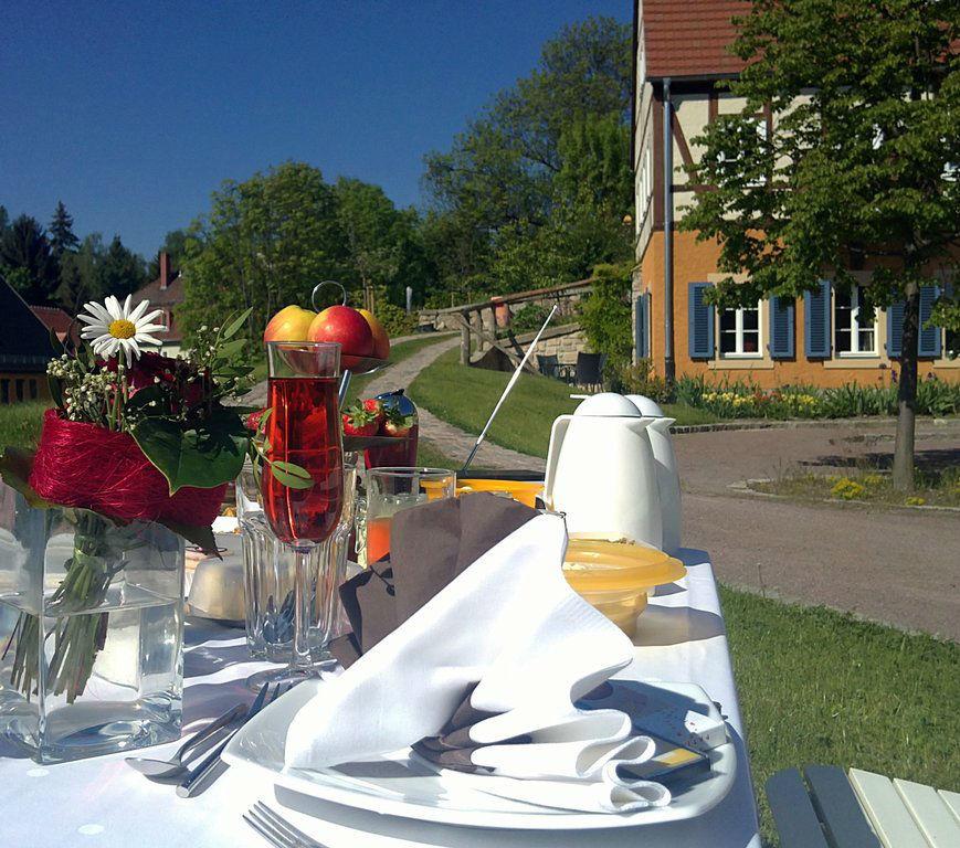 Beispiel: Außenansicht - Tischdekoration, Foto: Gasthof Herrenhaus Gorbitz.