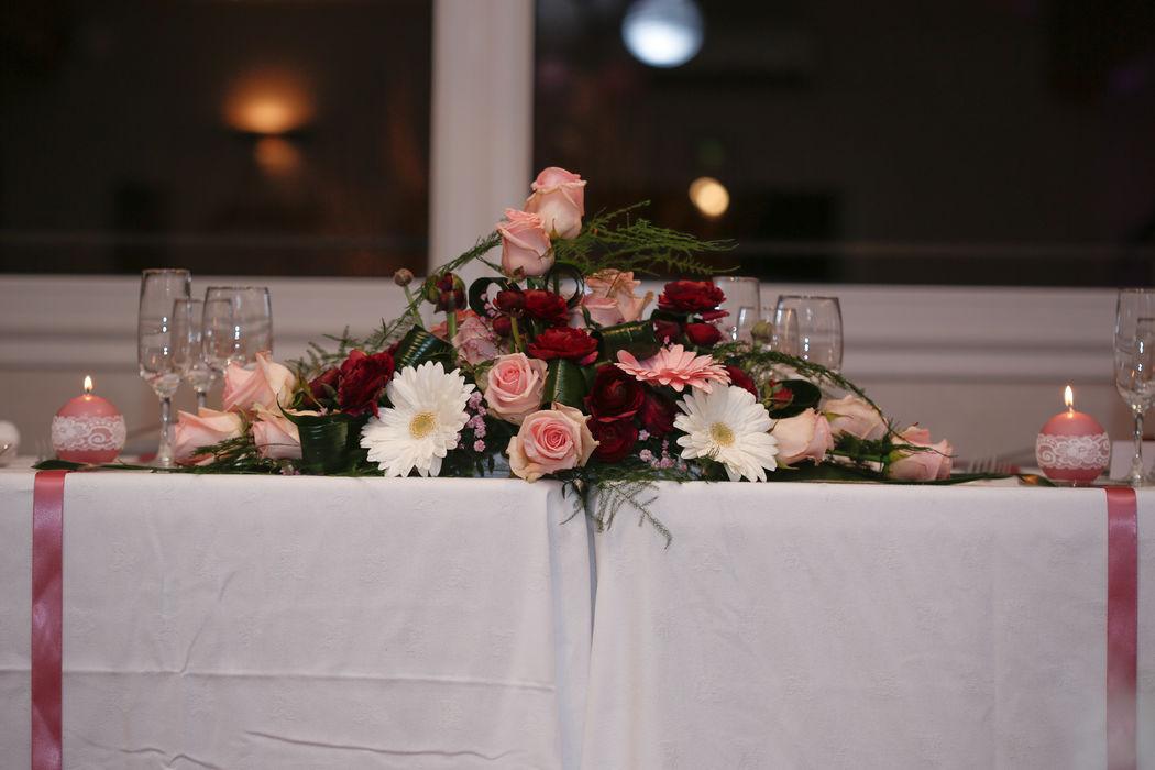 Mariage thème rétro-chic : table d'honneur
