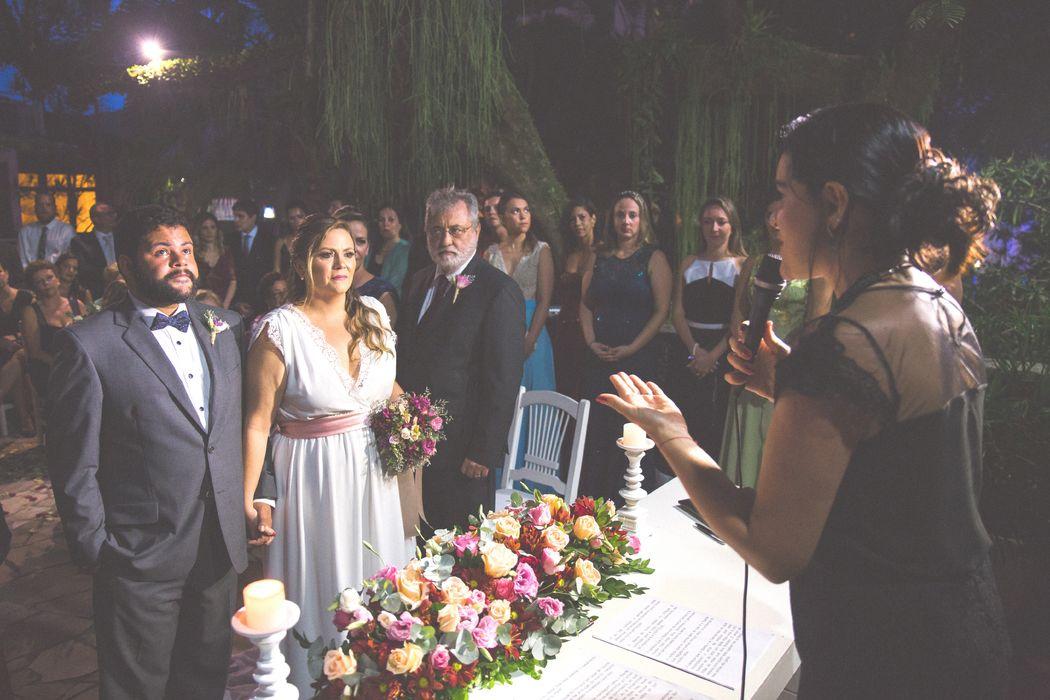 Flávia Fernandes Celebrante de Casamentos