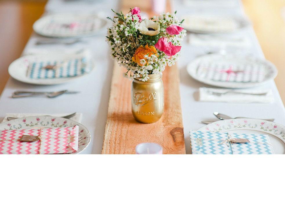 Preciosos coordinados para tu boda vintage. ¡Una boda en colores pastel! http://www.mibodabonita.es/es/list/category/centros-de-mesa-para-bodas