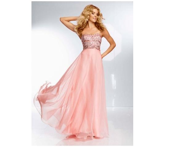 Vestido rosa con pedrería