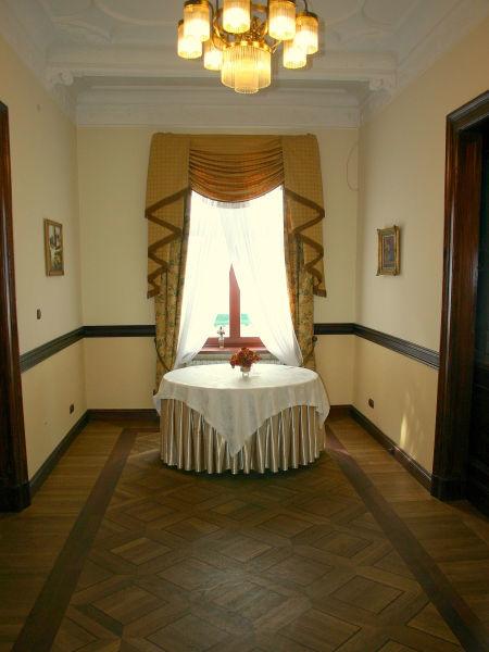 Zamek von Treskov
