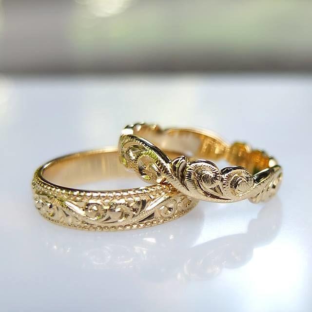 Obrączki w stylu wiktoriańskim z żółtego złota. Damska z fantazyjną krawędzią. http://waszeobraczki.pl/ pytania o cenę proszę kierować na: waszeobraczki@gmail.com
