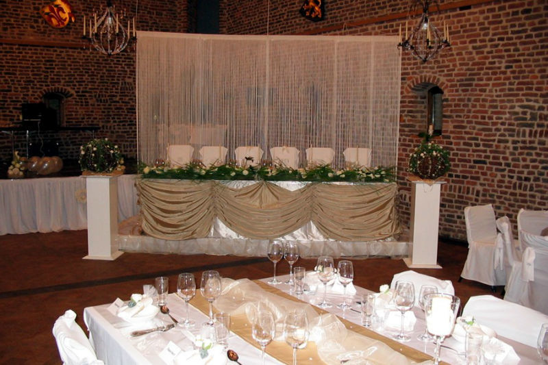 Beispiel: Hochzeitsdekoration Winkelsaal, Foto: Schloss Burgau.
