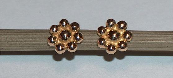 Beispiel: Ohrringe, Foto: Tom Urben Goldschmied.