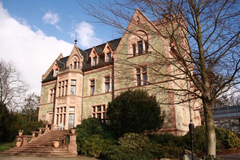 Beispiel: Außenansicht, Foto: Schlosshotel Rettershof.