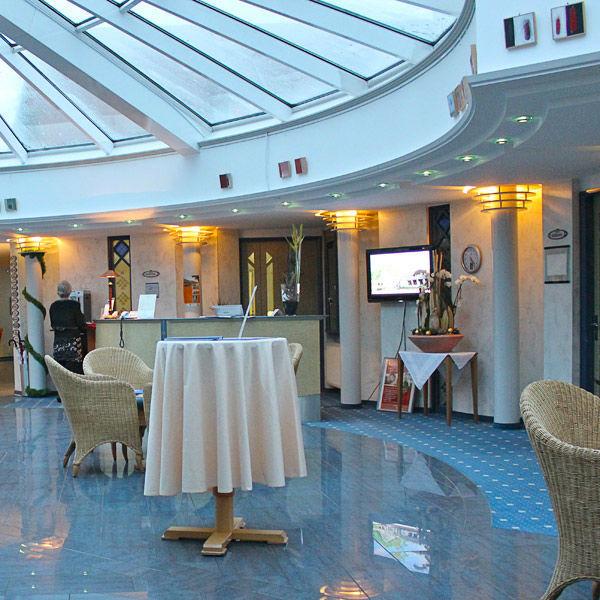 Beispiel: Lobby, Foto: AKZENT Hotel Saller See.