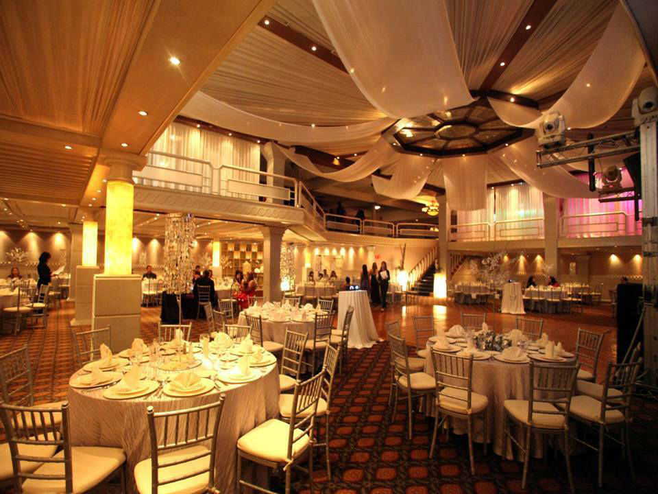 Blanc eventos bodas for Acropolis salon de fiestas