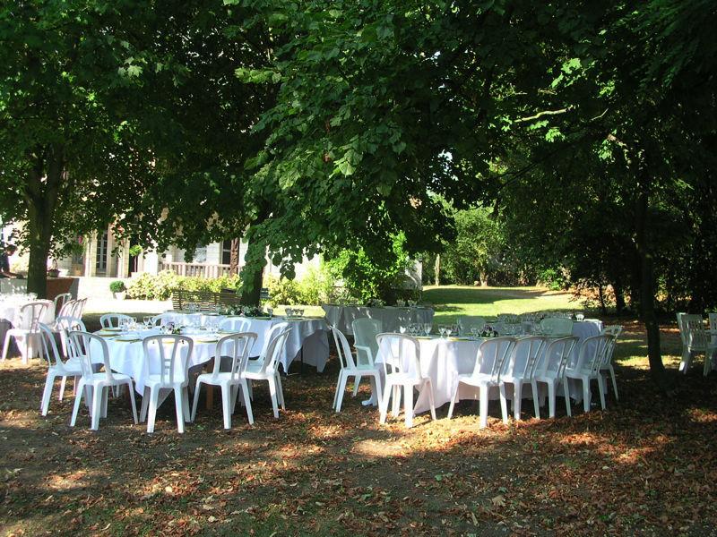 Manoir du Val Denis - Brunch sous les arbres