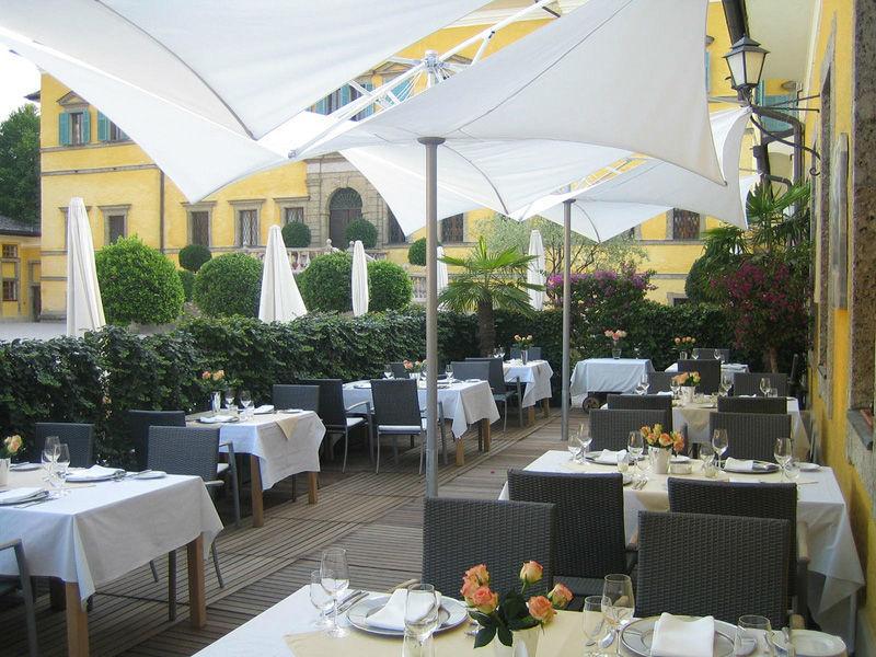 Beispiel: Terrasse, Foto: Gasthaus zu Schloss Hellbrunn.