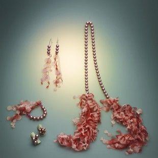 Prive look. Collar perlas y tejido