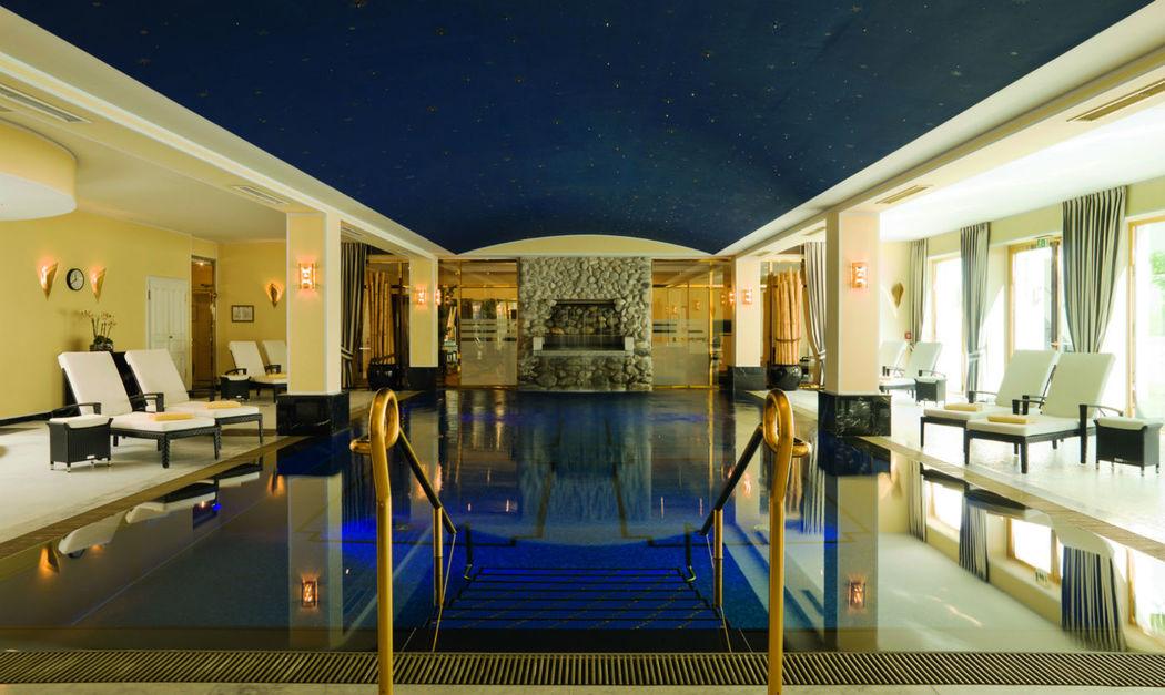 Beispiel: Schwimmbad, Foto: Althoff Grandhotel Schloss Bensberg.