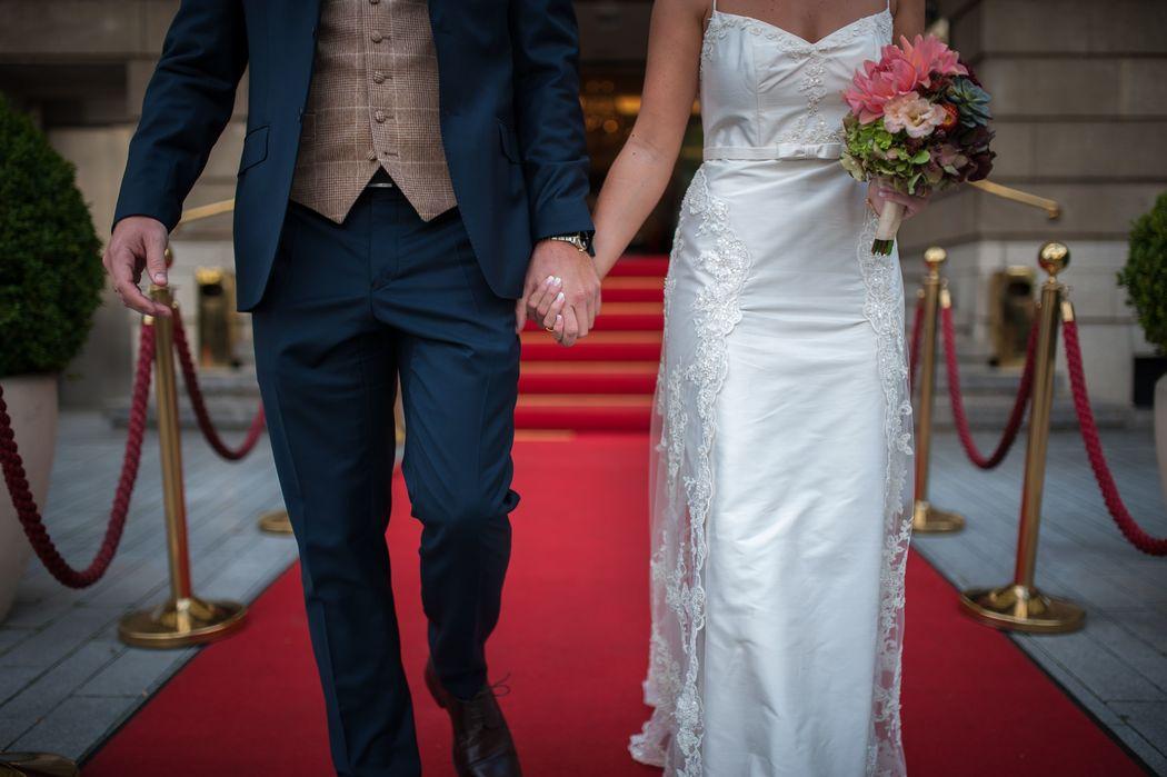 Brautpaar vor dem Parkhotel