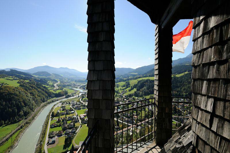 Beispiel: Aussicht über die Landschaft, Foto: Erlebnisburg Hohenwerfen.