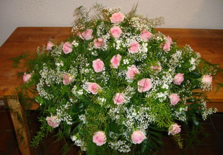 Beispiel: Gestecke für den schönsten Tag in Ihrem Leben, Foto: Haus Blumengeschäft und Gärtnerei.