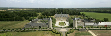 Le château et le domaine de Longue Plaine