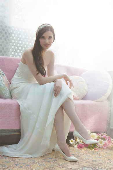 Beispiel: Klassische Brautschuhe, Foto: Brautstudio Sposa Favola.