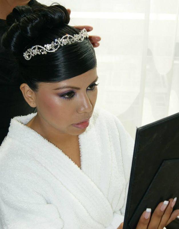 Novia Dina Dima.