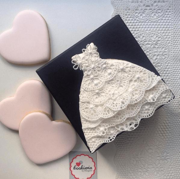 Biscoito Vestido de Noiva Rendado Tamanho  médio 12 cm