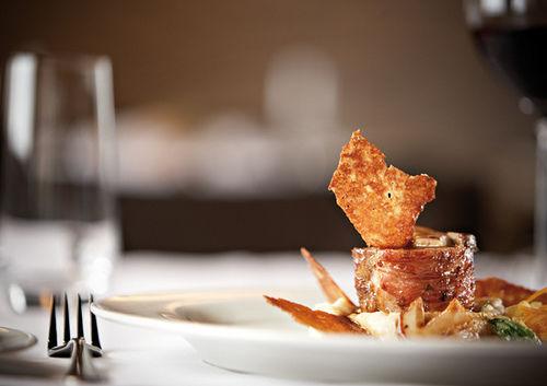 Beispiel: Kulinarik, Foto: Maiensässhotel Guarda Val.