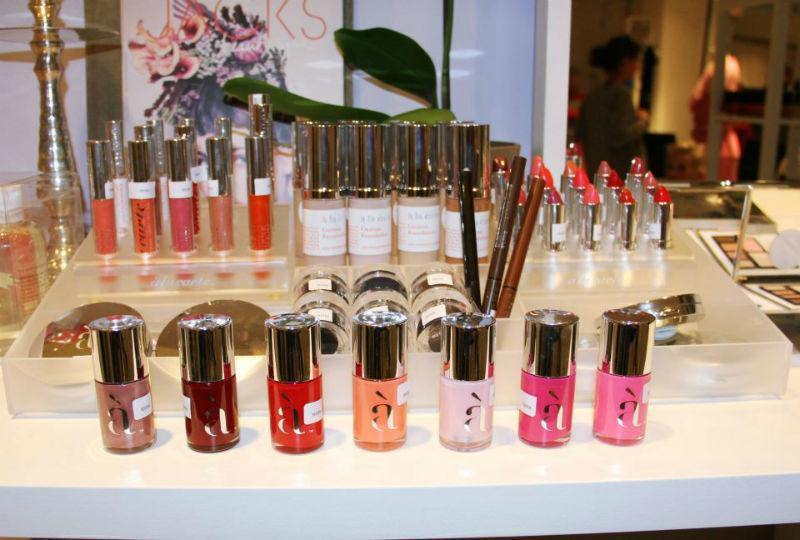 Beispiel: Von Lippenstift bis Nagellack, Foto: JACKS Beauty Department.