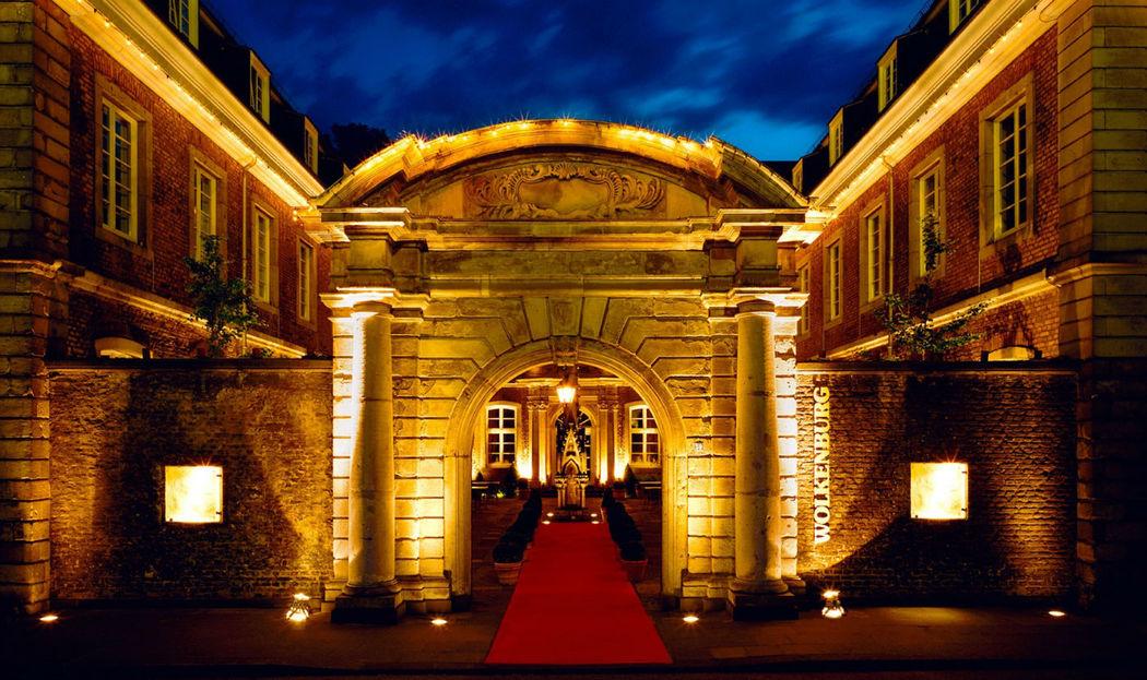 Beispiel: Eingangstor, Foto: Wolkenburg.