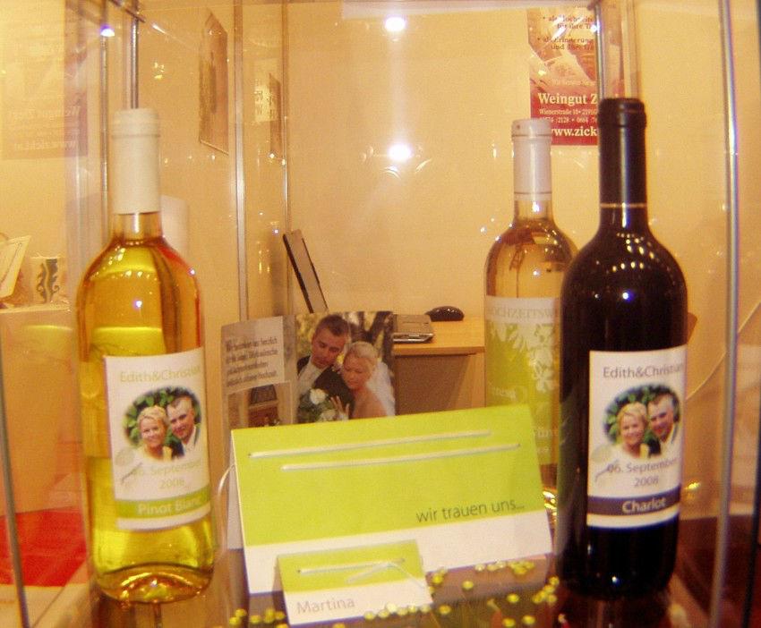 Beispiel: Das individuelle Gastgeschenk, Foto: Hochzeitswein - Weingut Zickl.