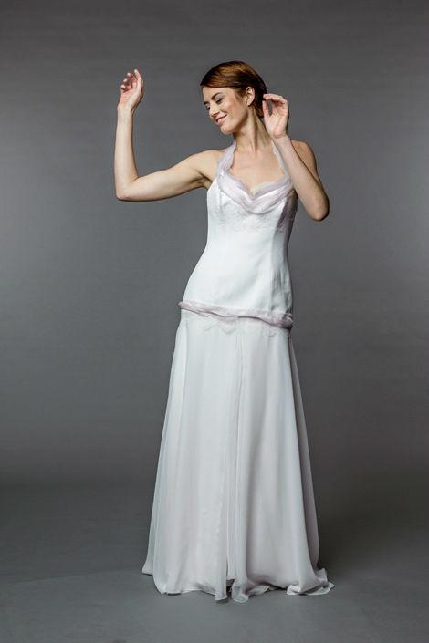 Beispiel: Wunderschöne Brautkleider, Foto: Sposa Vienna.