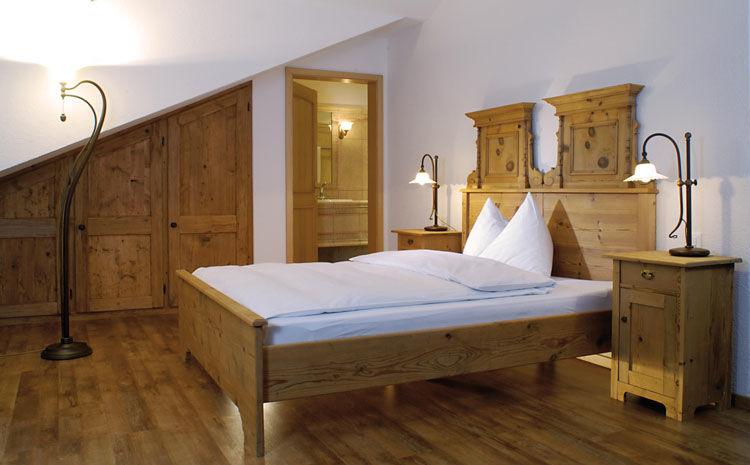 Beispiel: Zimmer, Foto: Landgasthof zu den Drei Sternen.