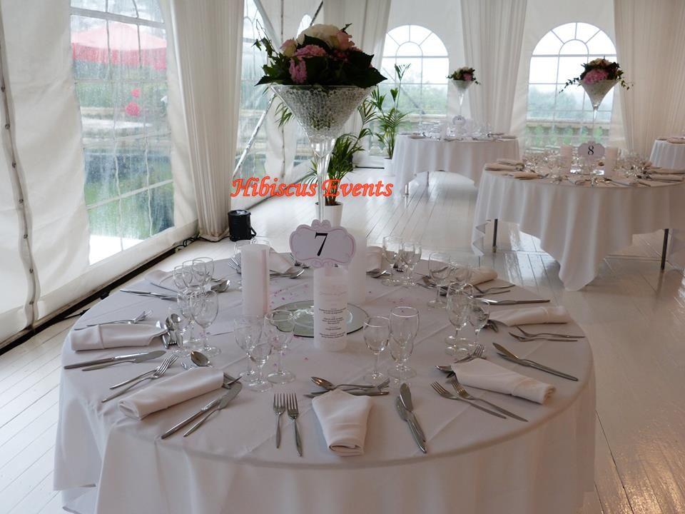 Hibiscus events Décoration mariage, décoration de table, service ponctuel comme décorer juste le coin mariés, candy bar, lieux de céremonie, chambre nuptiale...