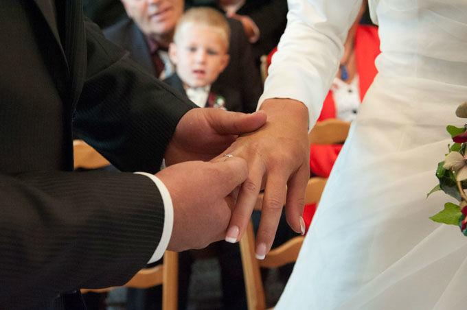 Beispiel: Liebe zum Detail, Foto: Hochzeitsfotografie Neuhofer.