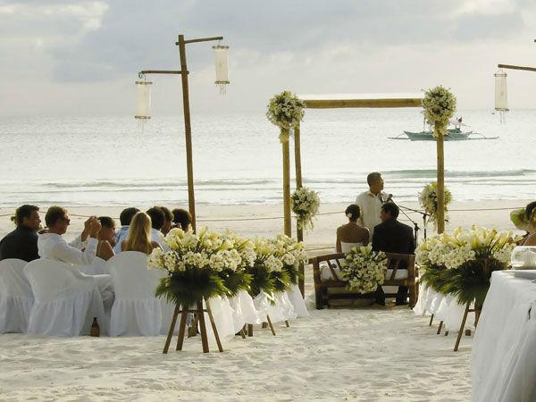 Beispiel: Weddingplaner, Foto: Hochzeitstraum.