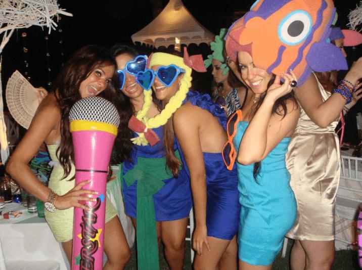 Haz que tus invitados pasen un momento muy divertido en tu boda - Foto El Cotillon
