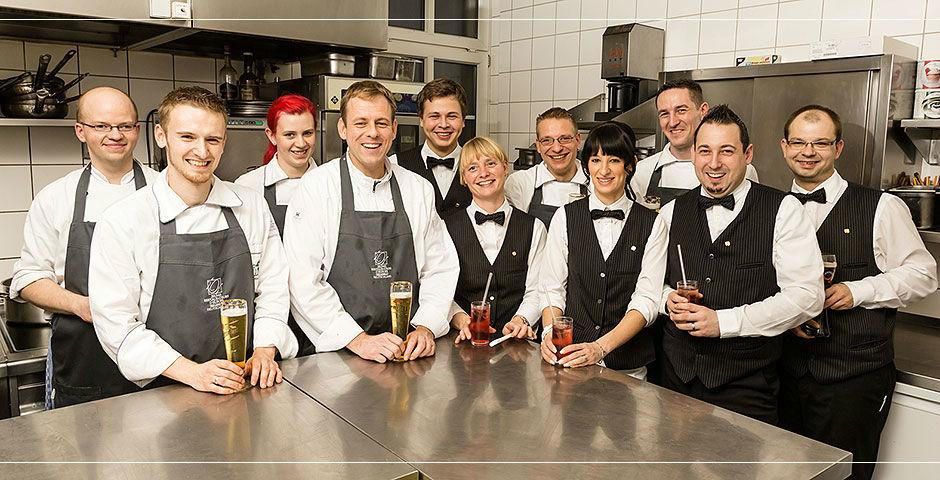 Beispiel: Service- und Küchenteam, Foto: Landhaus Hadrys.
