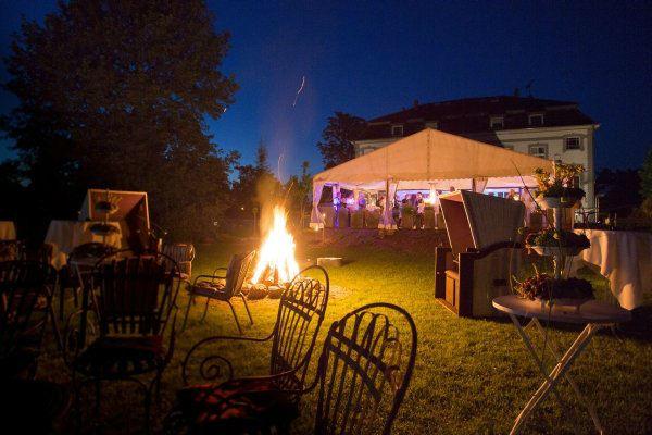 Beispiel: Lagerfeuer am Abend, Foto: Hotel Restaurant Seeterrassen Wandlitzsee.