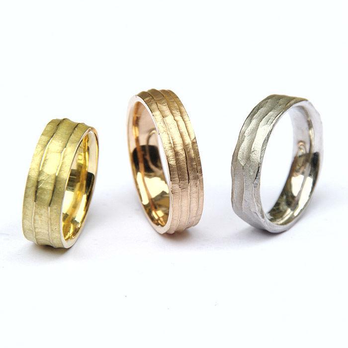 Beispiel: Trauringe in Gold, Silber und Platin, Foto: Jürgen Wiedemann.
