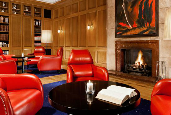 Beispiel: Kaminzimmer, Foto: Hotel Elephant.