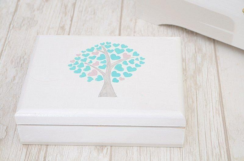 Zestaw ślubny z motywem drzewka: pudełko na obrączki ślubne