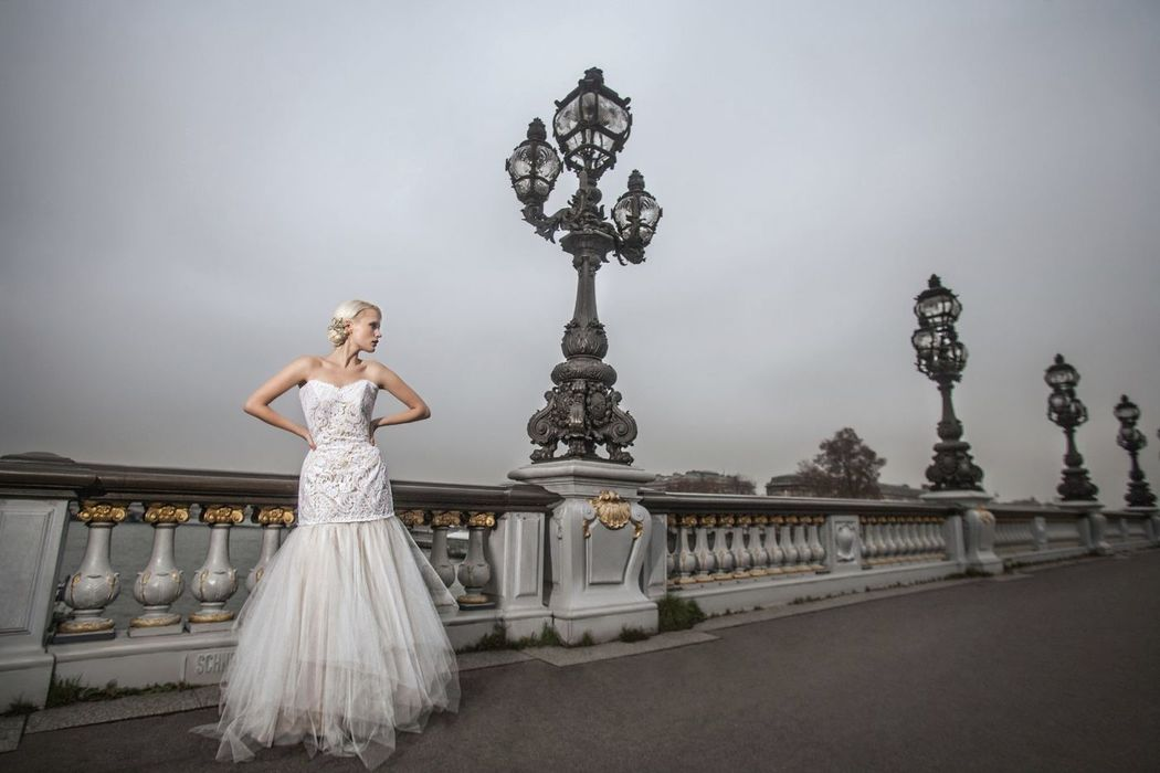 #covergirl Angelina Pavlishina on Peruvian #WeddingMagazine Cásate y Punto #WeddingDress by @Patty Durand 59 Edicion, abril 2015. photo :Luis Chiang Chang-Way Photo taken on : Pont Alexander III, Paris, Ille de France.