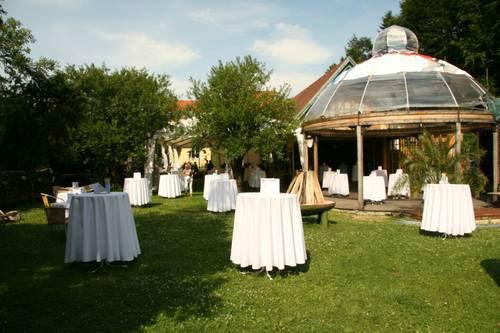 Beispiel: Empfang im Garten, Foto: Villa Kunterbunt.