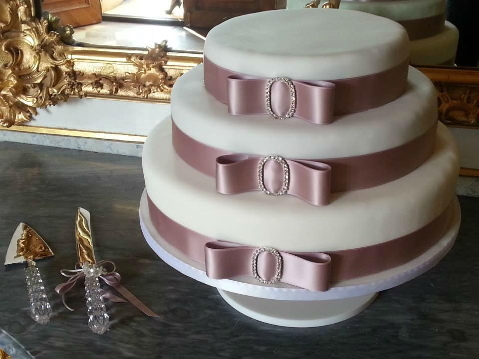 Beispiel: Wunderschöne Hochzeitstorten, Foto: Cupn'Keks.