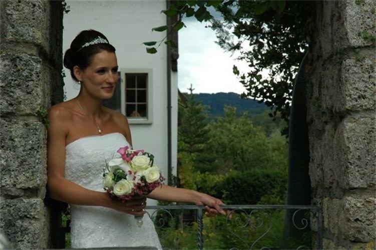 Beispiel: Für die Schönheit der Braut, Foto: Anjas Homecut.