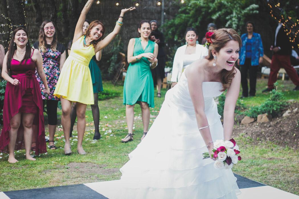 el momento más esperado de las invitadas solteras!