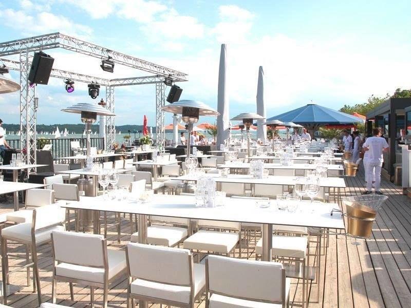 H'ugo's Beach Club Undosa