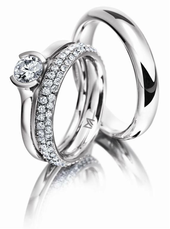 Beispiel: Verlobungs- und Eheringe, Foto: Juwelier Dallinger.