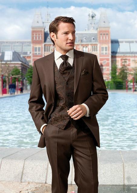 Beispiel: Elegante Anzüge, Foto: Brautmoden Isabel Bräutigam.