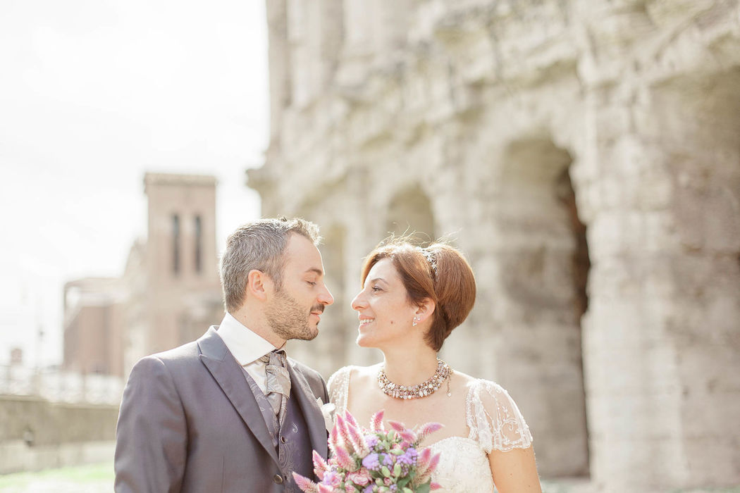 italian engament rome  couple angela.photo angela matrimonio fidanzamento trashthedress nozze italia sposi roma foto coppia colosseo