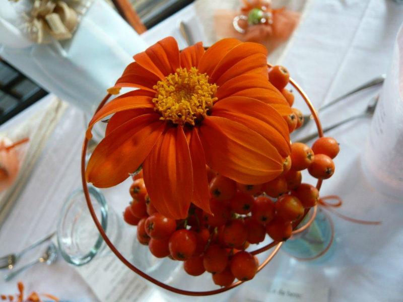 Beispiel: Florale Tischdekoration, Foto: Strandcafé am Markkleeberger See.