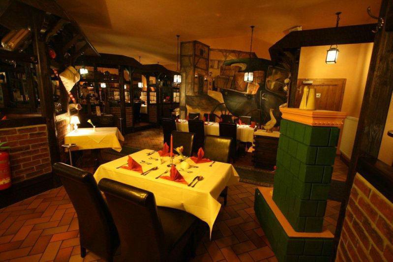 Beispiel: Restaurant, Foto: Schloßkrug Gundorf.