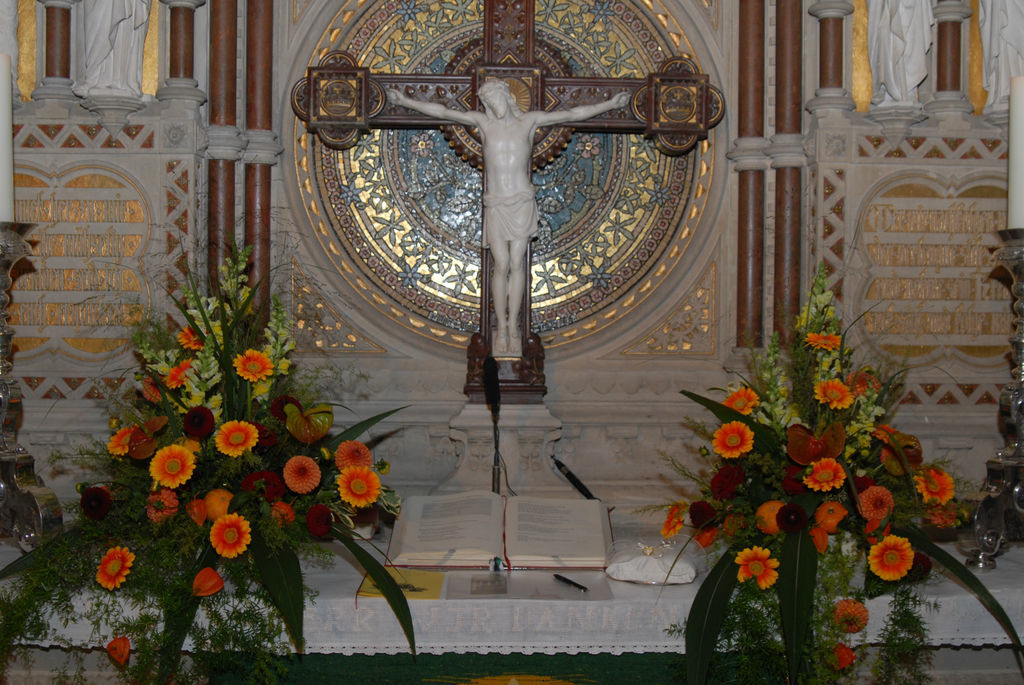Beispiel: Kirchendekoration Foto: Blumen Zoellner.
